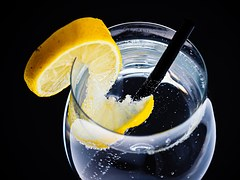 water-lemon-glass-956263__180